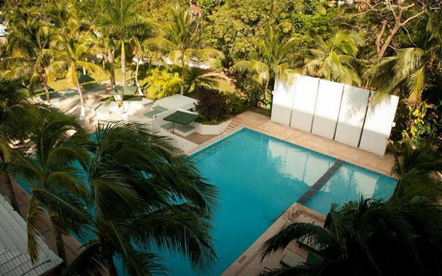 Hotel Smart by Oasis, disfruta de su alberca al aire libre