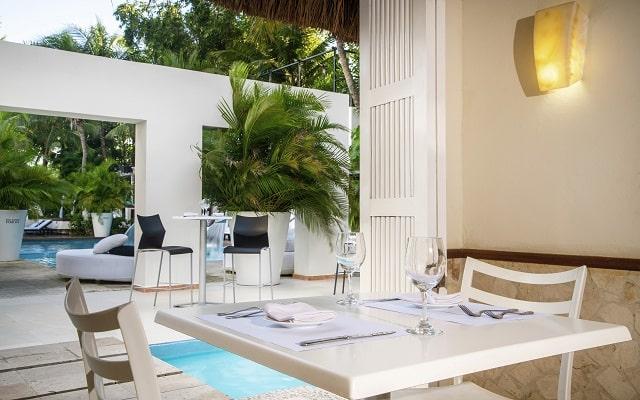 Hotel Smart Cancún by Oasis, escenario ideal para disfrutar tus alimentos