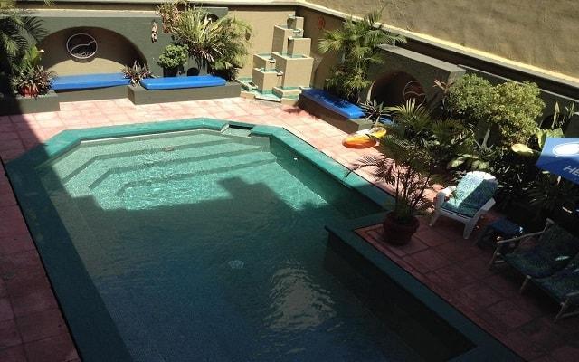 Hotel Solimar Inn Suites, disfruta de su alberca al aire libre