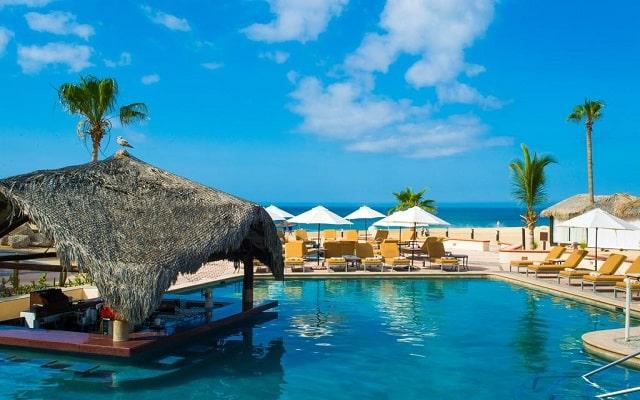 Hotel Solmar Resort, disfruta de su alberca al aire libre