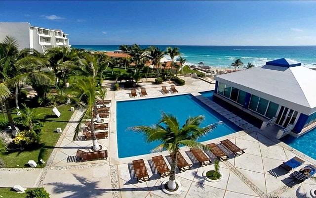Hotel Solymar Cancún Beach Resort Relájate En Su Alberca Al Aire Libre