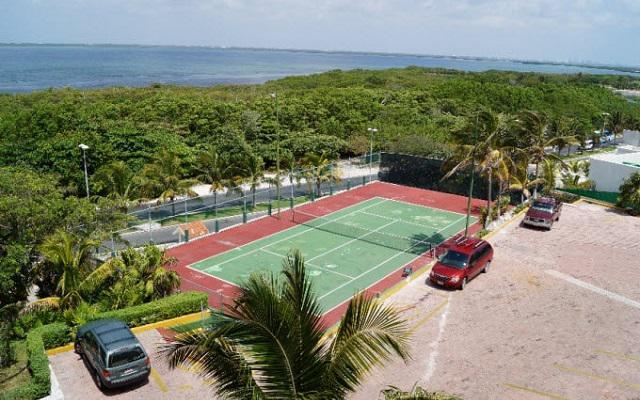 Hotel Solymar Beach Resort, cuenta con cancha de tenis
