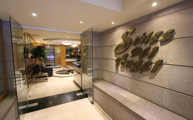 Hotel Suites del Ángel, buen servicio