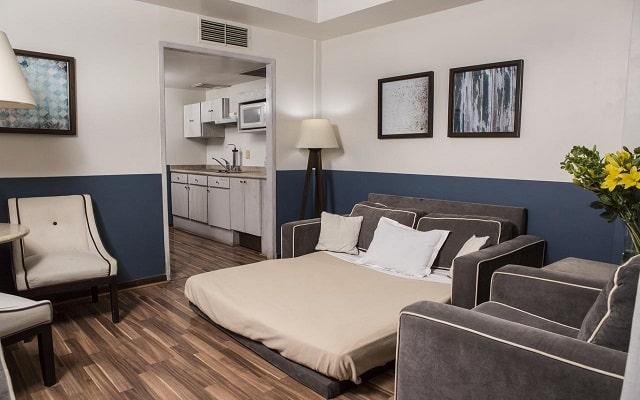 Hotel Suites del Ángel, habitaciones bien equipadas