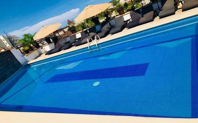 Hotel Suites Mar Elena, disfruta de su alberca al aire libre