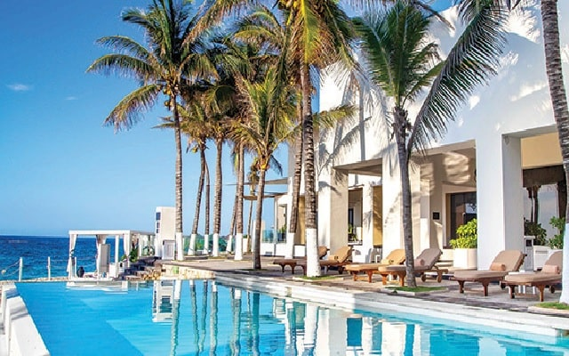 Hotel Sunscape Akumal Beach Resort & Spa, disfruta de su alberca al aire libre