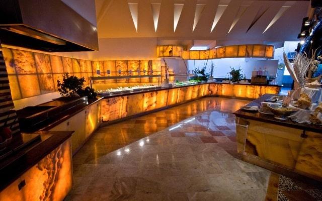 Hotel Sunset Marina Resort & Yacht Club, buena propuesta gastronómica