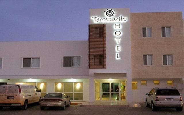Hotel Terracaribe, ubicado muy cerca del muelle desde donde salen ferrys a Isla Mujeres