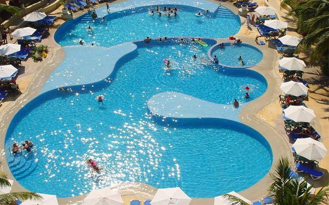 Hotel Tesoro Ixtapa, relájate en el área de alberca del hotel