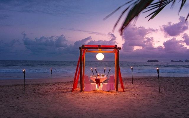 Hotel Tesoro Ixtapa, cena romántica