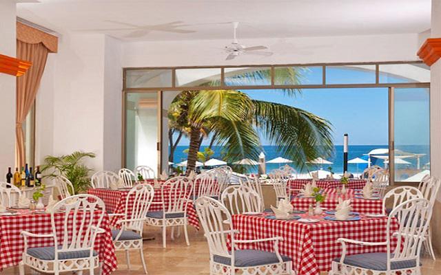 Hotel Tesoro Ixtapa, degusta platillos mexicanos o italianos en su restaurante a la carta