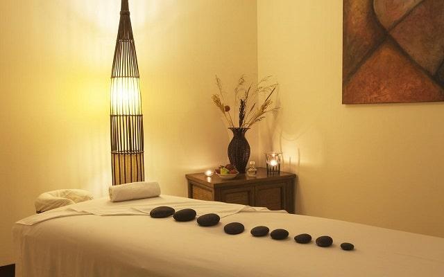 Hotel Tesoro Los Cabos - All Inclusive Opcional, permite que te consientan con un masaje
