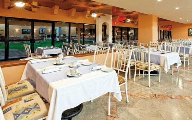 Hotel The Palms Resort Mazatlan, escenario ideal para tus alimentos