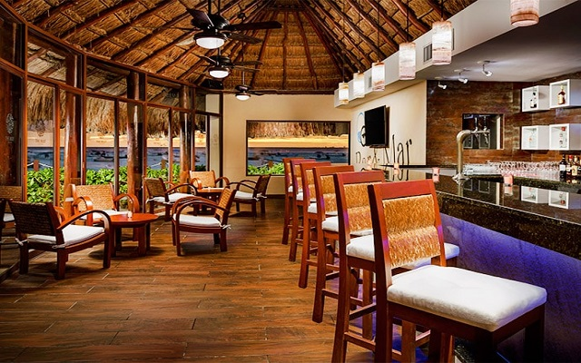 Hotel The Reef Coco Beach, Bar and Mar Lounge Bar