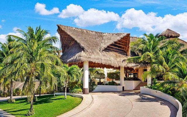 Hotel The Reef Coco Beach, buena ubicación a pasos de la Quinta Avenida
