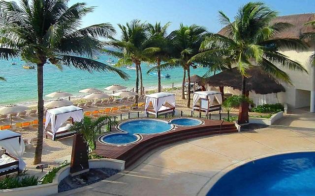 Hotel The Reef Coco Beach, relájate en el jacuzzi con vista al mar