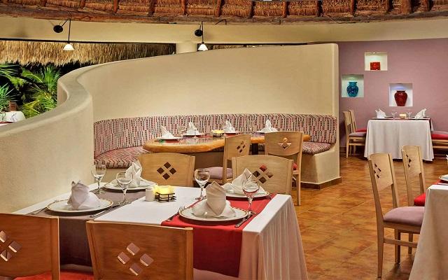 Hotel The Reef Coco Beach, Restaurante Sabor Latino