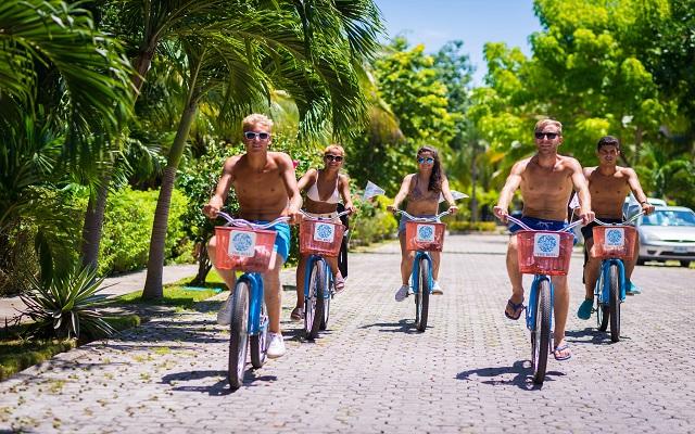 Hotel The Reef Playacar, paseos en bicicleta por la zona residencial