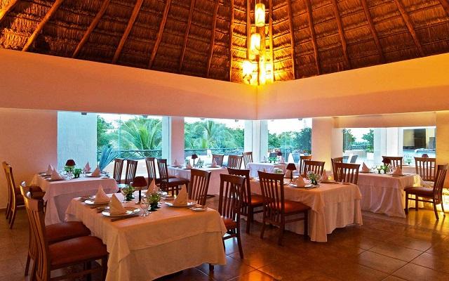 Hotel The Reef Playacar, gastronomía de calidad