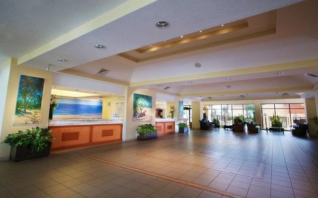 Hotel The Royal Caribbean An All Suites Resort, atención personalizada desde el inicio de tu estancia