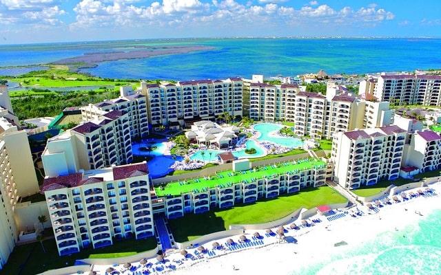 Hotel The Royal Caribbean An All Suites Resort, buena ubicación