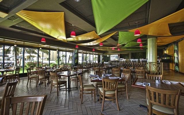 Hotel The Royal Islander An All Suites Resort, buena propuesta gastronómica