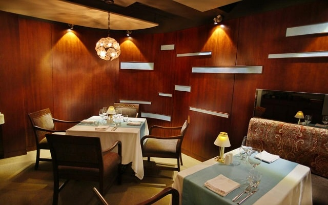 Hotel The Royal Islander An All Suites Resort, lujo y diseño