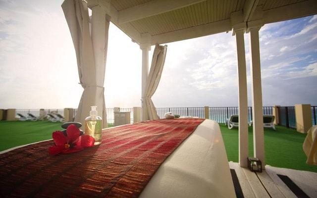 Hotel The Royal Islander An All Suites Resort, permite que te consientan con un masaje