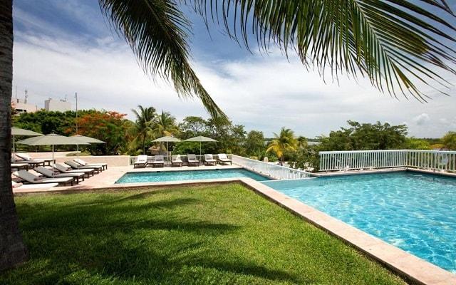 Hotel The Westin Resort and Spa Cancún, disfruta de su alberca al aire libre