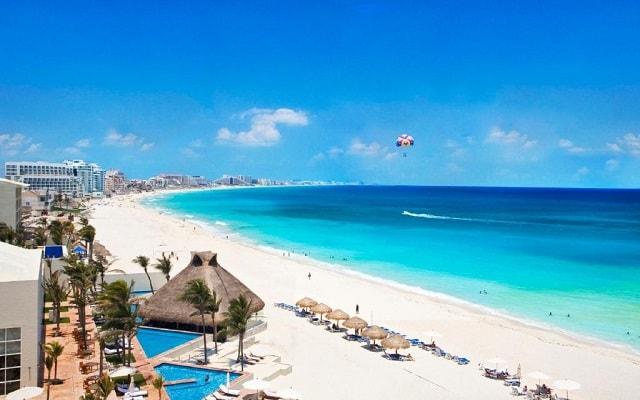 Hotel The Westin Resort and Spa Cancún, a pie de una de las mejores playas