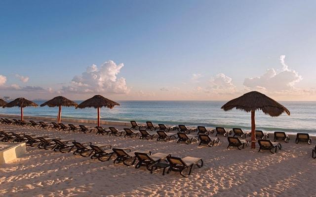 Hotel The Westin Resort and Spa Cancún, disfruta de la playa