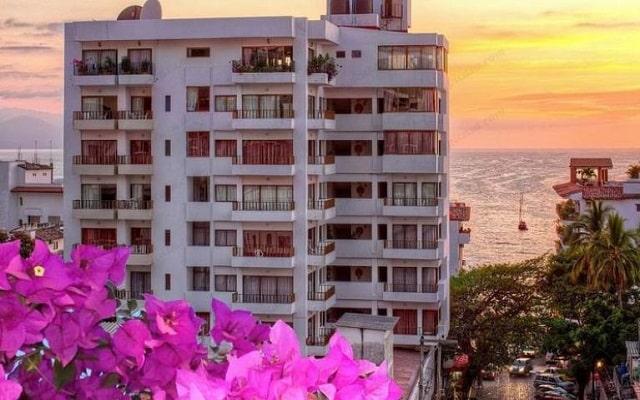 Hotel Torre de Oro Vallarta en Zona Romántica