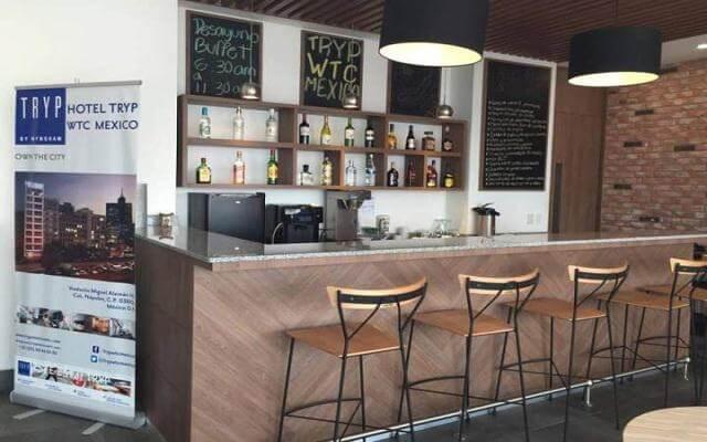 Hotel Tryp México WTC, disfruta una copa en el bar