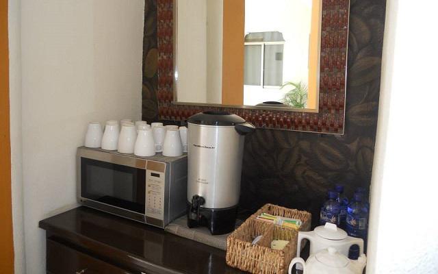 Hotel Tulum Inn ofrece servicio de café en el lobby