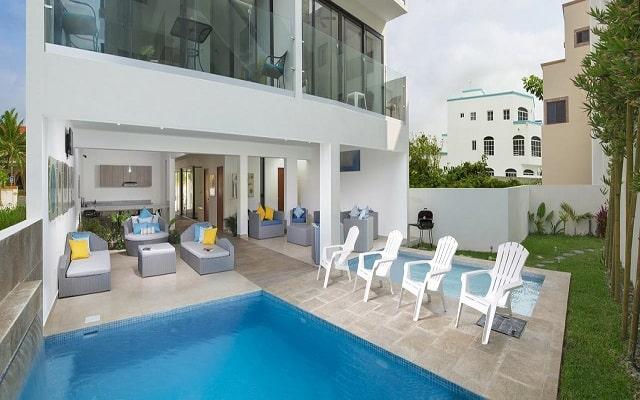 Hotel Velas Condos, disfruta de su alberca al aire libre