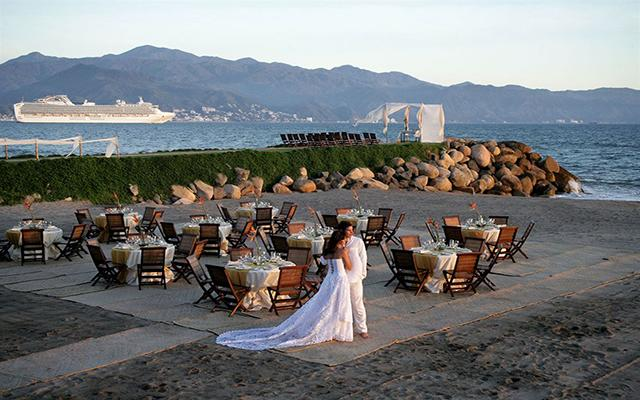 Velas Vallarta Family Beach Resort Premium All Inclusive, tu boda como la imaginaste