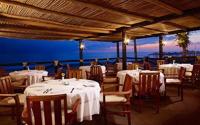 Velas Vallarta Family Beach Resort Premium All Inclusive, Restaurante Ribera