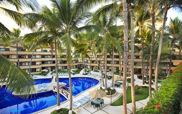 Hotel Villa del Mar Puerto Vallarta by Villa Group, disfruta de su alberca al aire libre