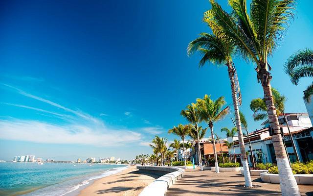 Hotel Villa del Mar Puerto Vallarta by Villa Group, un paseo por la costa