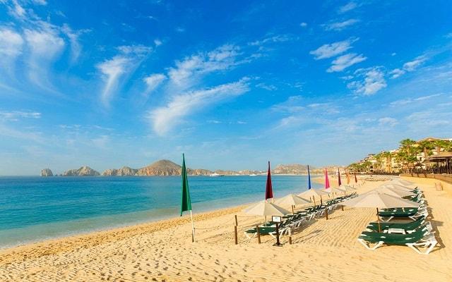 Hotel Villa del Palmar Beach Resort And Spa, relájate en la comodidad de los camastros