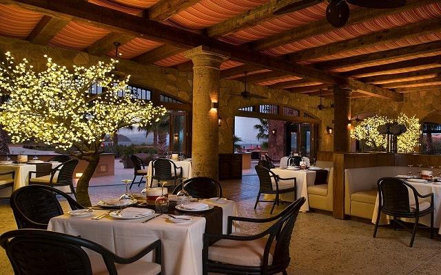 Hotel Villa del Palmar en las Islas Loreto, escenario ideal para tus alimentos