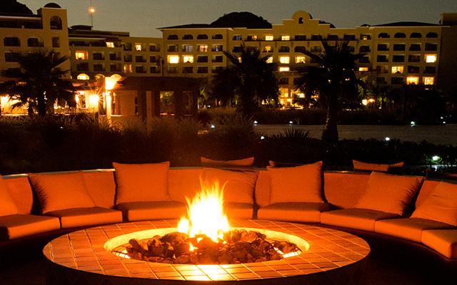 Hotel Villa del Palmar en las Islas Loreto, disfruta una fogata