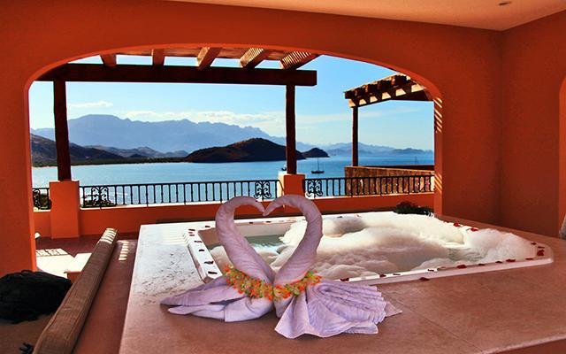 Hotel Villa del Palmar en las Islas Loreto, relájate en el jacuzzi