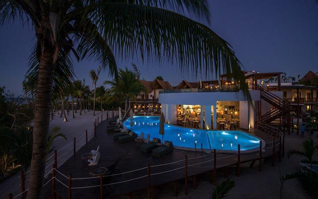 Hotel Villas HM Palapas del Mar tiene dos albercas