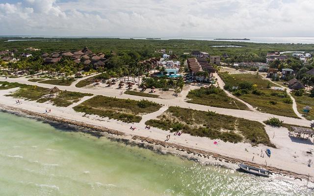 Hotel Villas HM Palapas del Mar localizado frente a la playa