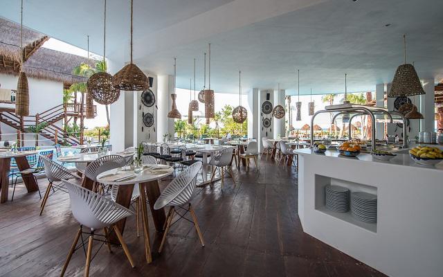 Hotel Villas HM Palapas del Mar, su restaurante ofrece comida típica mexicana