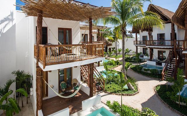 Hotel Villas HM Palapas del Mar, sus habitaciones están distribuidas en 15 villas