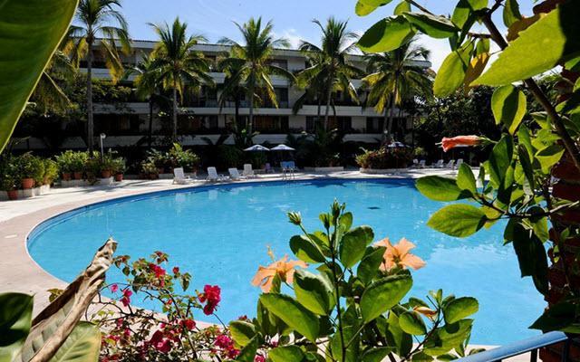 Hotel Villas Paraíso Ixtapa, espacios agradables rodeados de jardines