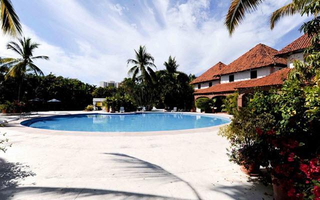 Hotel Villas Paraíso Ixtapa, disfruta de su alberca al aire libre