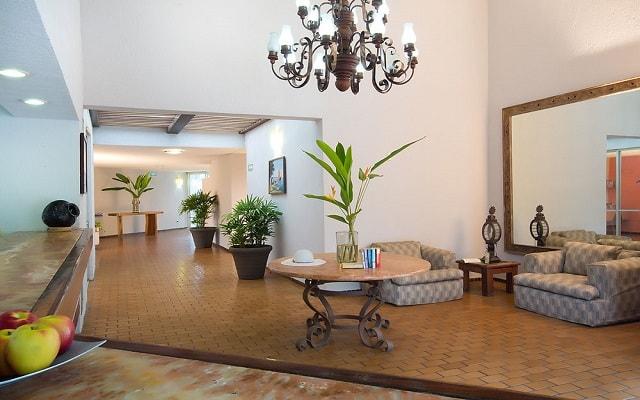 Hotel Vista Vallarta All Suites On the Beach, lobby